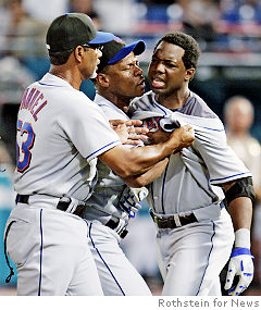 amd_mets-milledge-fight.jpg