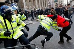 g20 woman riot.jpg